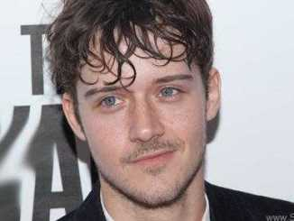 Cesar Domboy photo