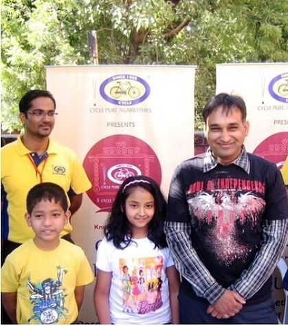 Mayur Vakani with his son and daughter