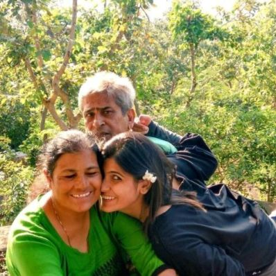 Rubika Liaquat with her parents