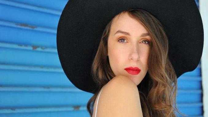 Alexandra Essoe Dating, Affairs, Boyfriend, Net Worth, Facts, Wiki-Bio