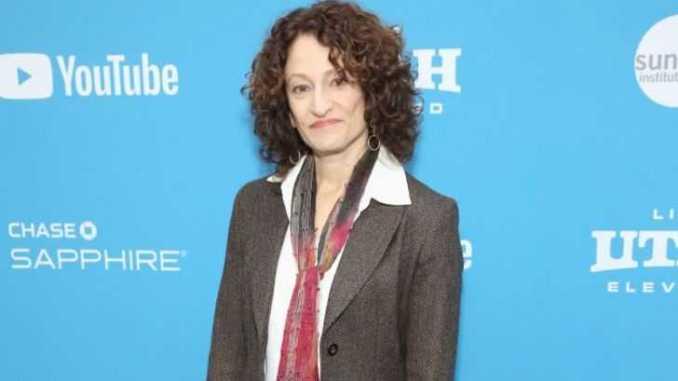 Ellen Sandweiss's, Married, Husband, Children, Net Worth, Earnings, Wiki-Bio
