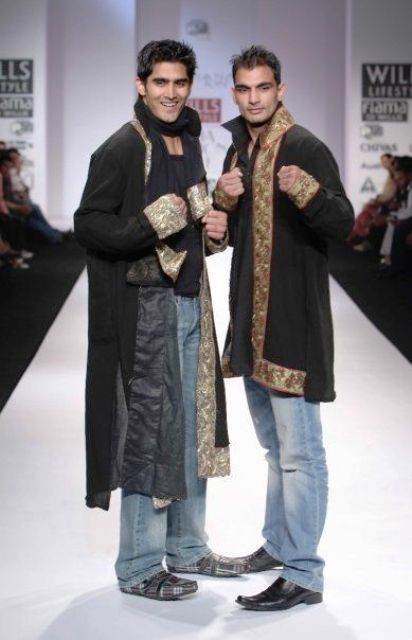Vijender Singh with his brother