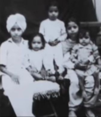 Jagjit Singh And His Siblings