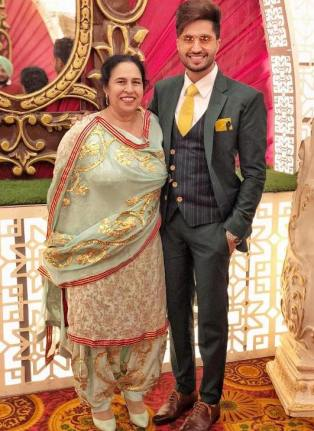 Jassie Gill with his mother