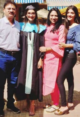 Pranali Singh Rathod with her family