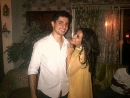 Raima Sen And Varun Thapar