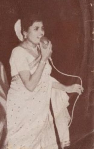 Usha Uthup Singing