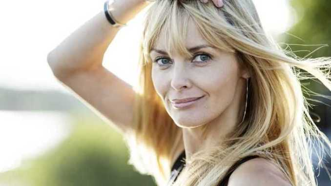 Izabella Scorupco is Happy in Her Marriage; Her Husband!