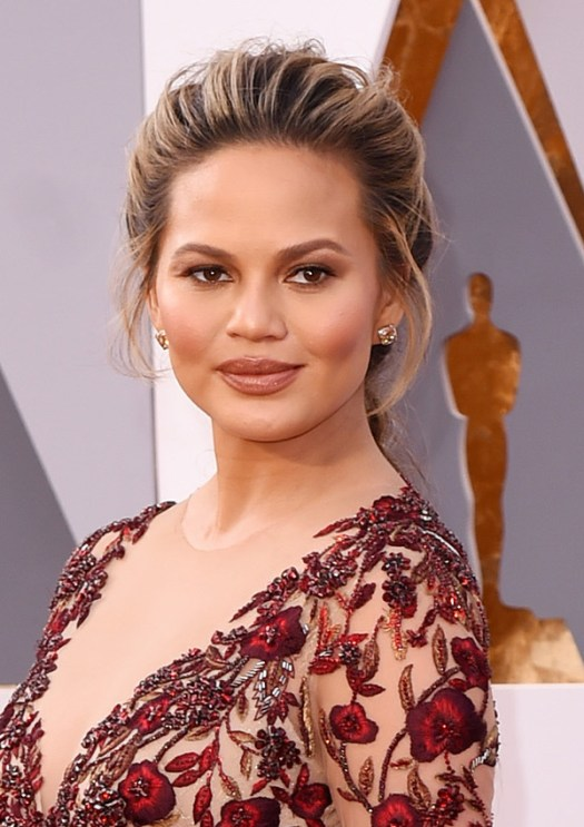 Chrissy Teigen age and biography