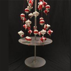 starbucks-ism-ornament-tree-display-1