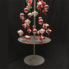 starbucks-ism-ornament-tree-display-1