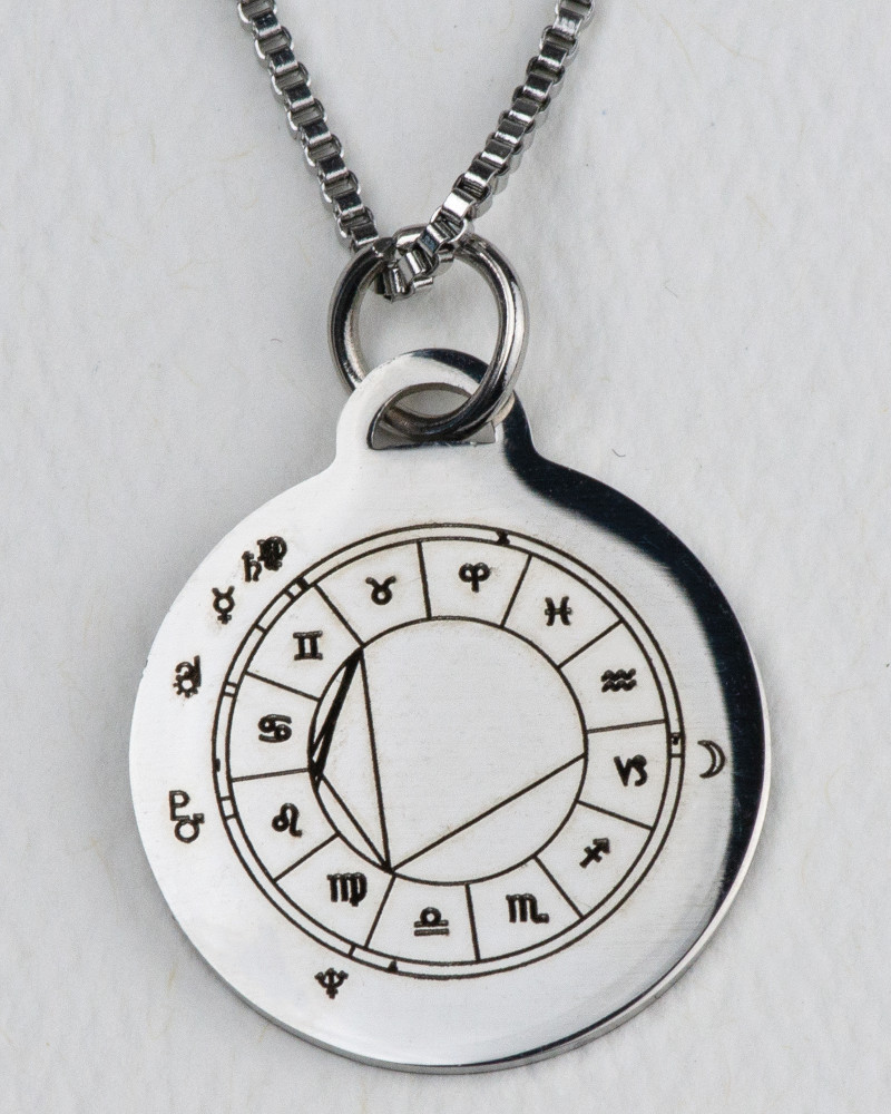pendant-silver-front-800-1000