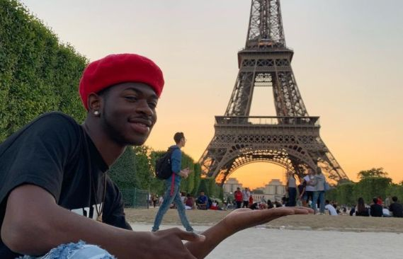 Lil Nas X in effil tower