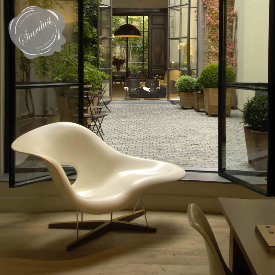 vitra la chaise lounge chair by eames