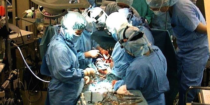 Transplantul de plămâni, conflictul de interese şi Sfânta Maria