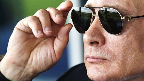 Vladimir Putin cere companiilor să fie pregătite de război