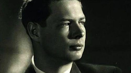 Sicriul Regelui Mihai I, urcat pe afet de tun până la Curtea de Argeş
