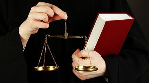 Şapte membri CSM cer sesizarea CCR, după declaraţiile lui Dăncilă