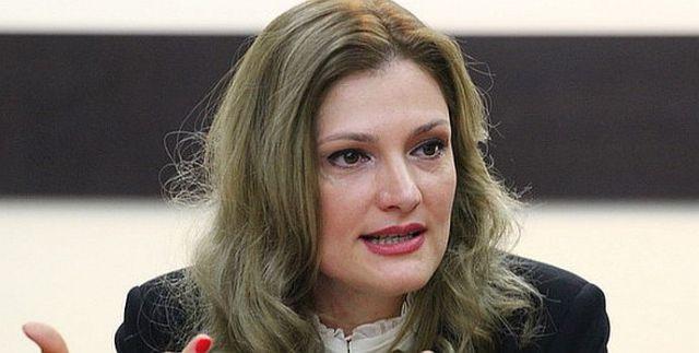 Ramona Mănescu are un tată care la pensie a devenit puşculiţă
