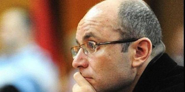 """Cozmin Guşă anunţă că Rareş Bogdan va avea joi emisiune """"din când în când"""""""
