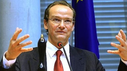 Gunther Krichbaum cere activarea opţiunii nucleare contra României