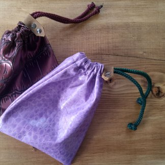 Scaled drawstring pouch/coin purse/dice bag in pink or dark red