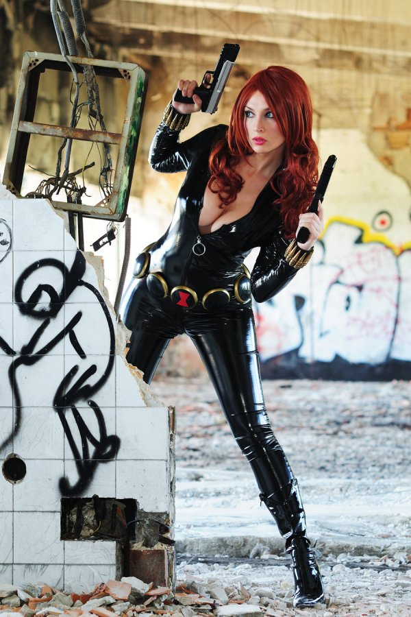 blackwidow885d3ed16de7c71737e690628fad2f80-black-widow-cosplay