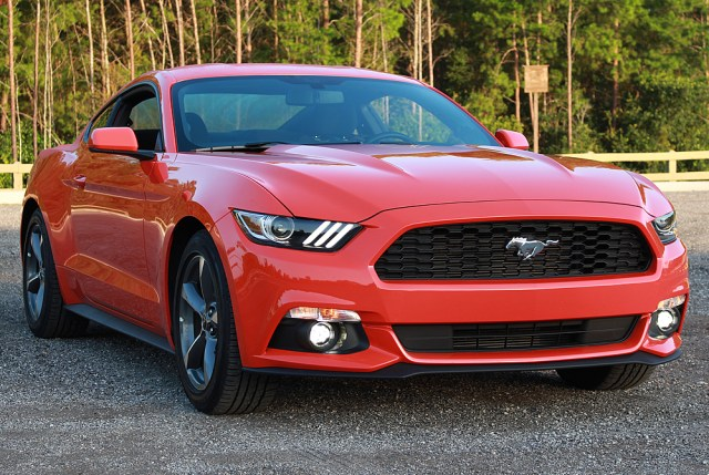 Ford Mustang GT Specifications & Features,Design