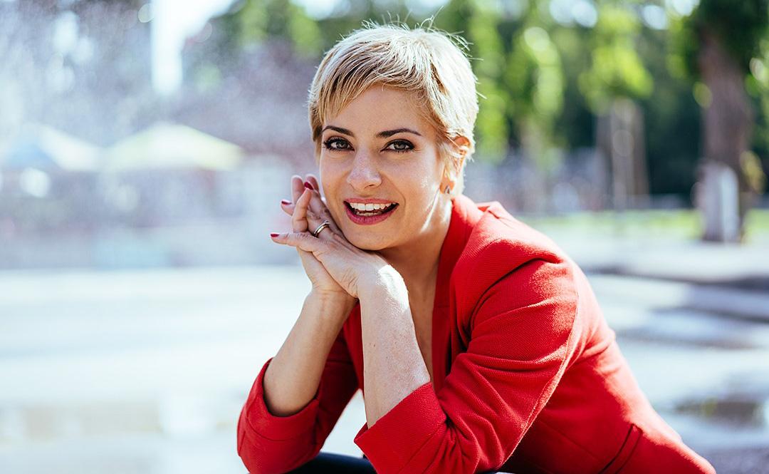 Isabel Florido, mehrsprachige Moderation