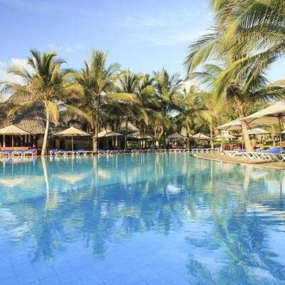 Baobab Beach Resort swimming pool