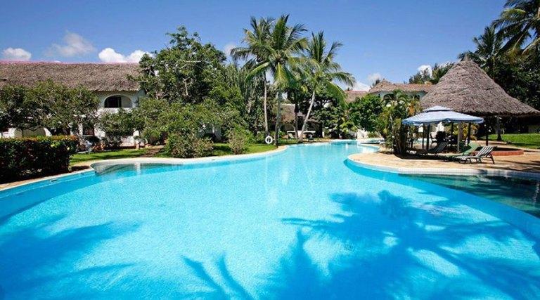 Swimming pool at Leisure Lodge Beach and Golf Resort.