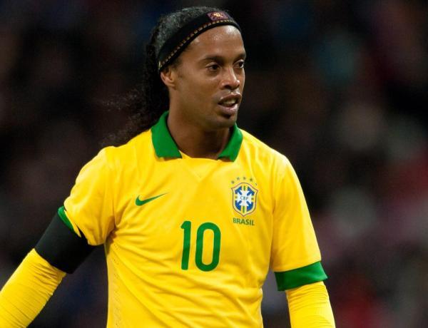 Ronaldinho : Le footballeur traité de singe à son arrivée au Mexique