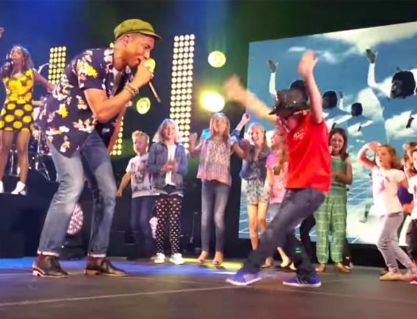 Un petit garçon pique la vedette à Pharrell Williams en dansant sur scène !