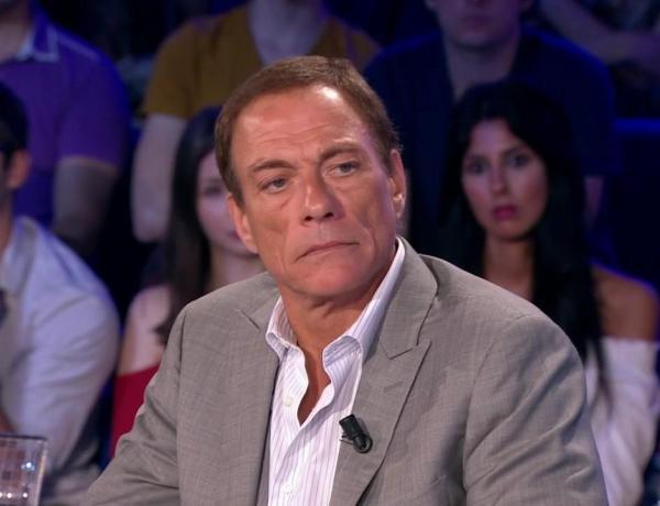 Jean-Claude Van Damme compare les homosexuels à des chiens ! Le CSA a été saisi