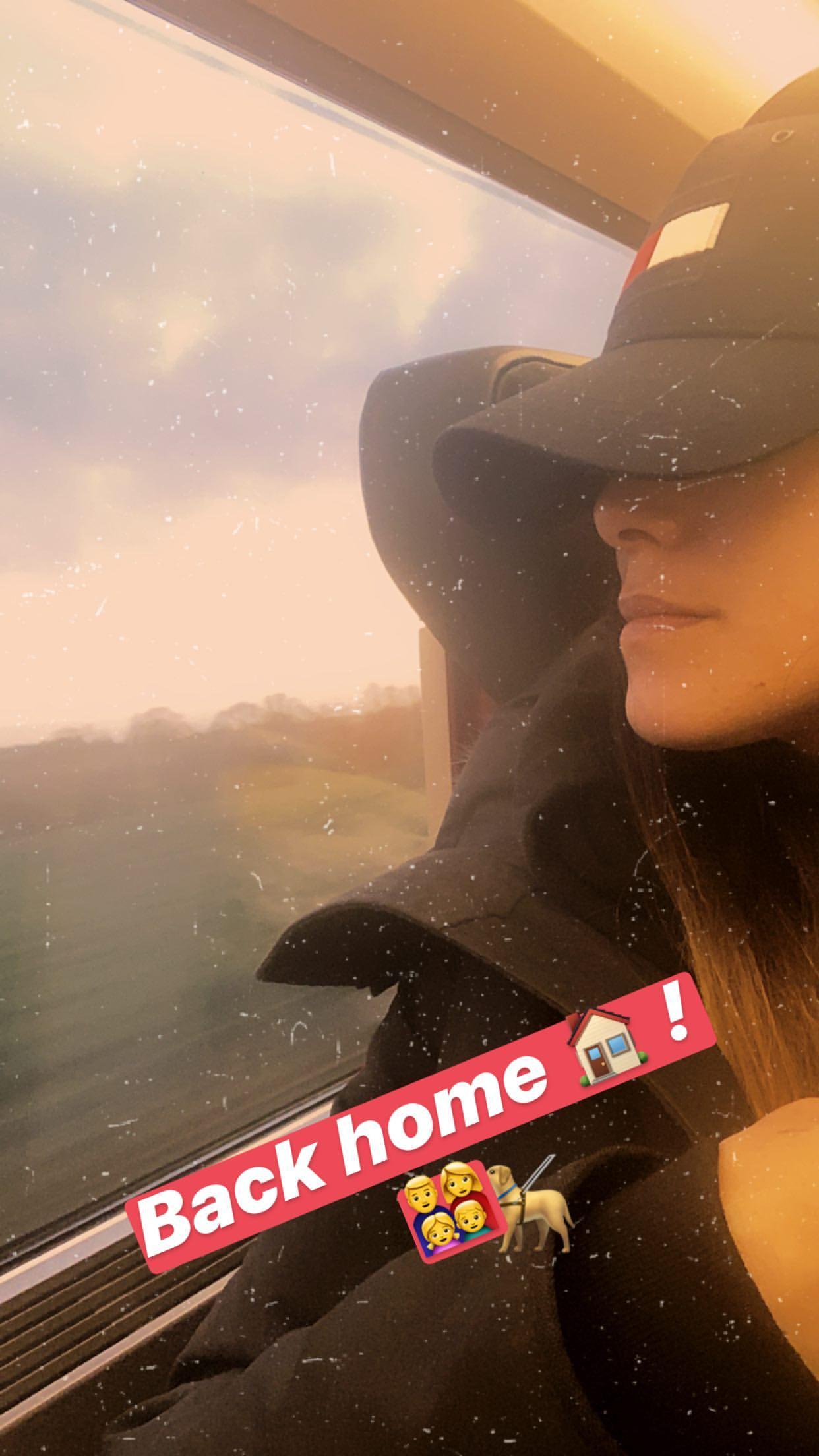 Karine Ferri rentrée à temps du Maroc pour la Saint-Valentin