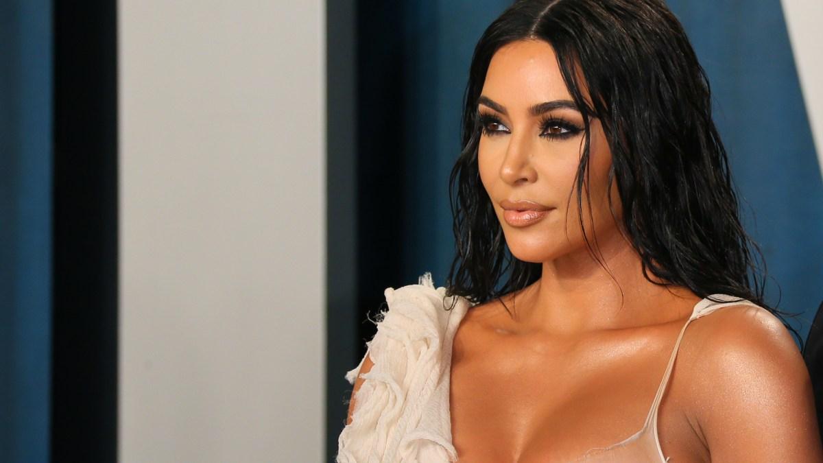 Kim Kardashian : Clashée par ses fans pour un selfie étonnant