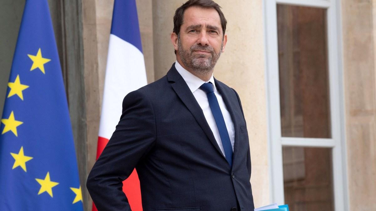 Violences policières : Christophe Castaner annonce l'abandon de la technique de «l'étranglement»