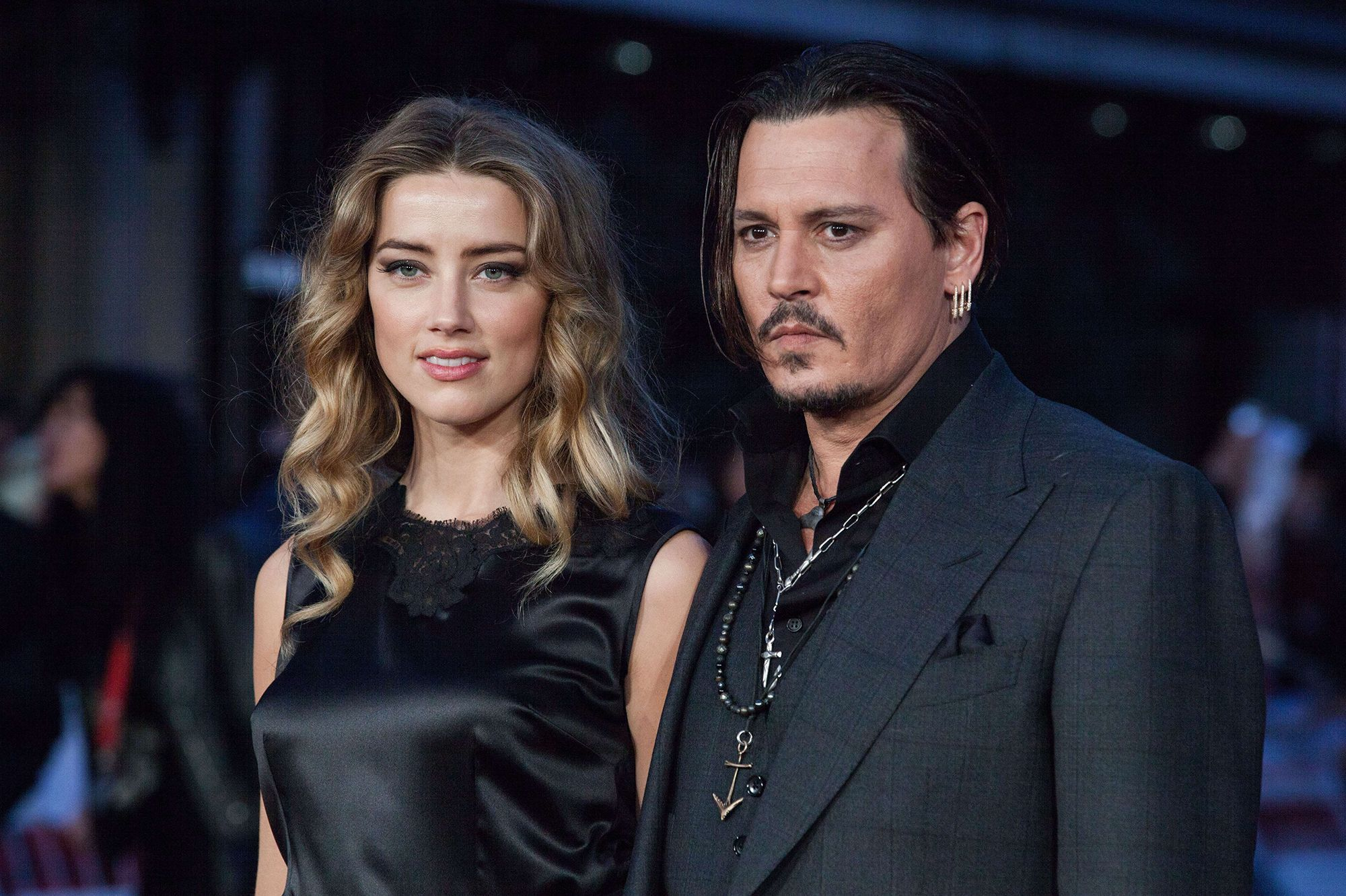 Amber Heard et Johnny Depp en guerre : bientôt un test ADN pour les yorkshires ?