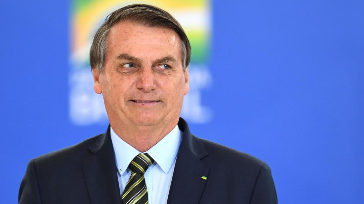Quand Jair Bolsonaro confond un homme nain avec un enfant