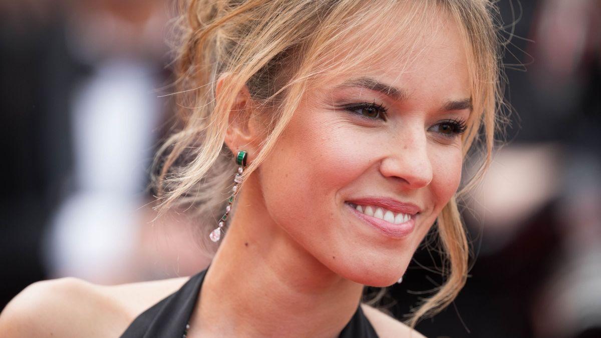 Elodie Fontan sensuelle : ses fans sont sous le charme