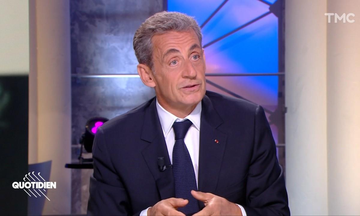"""Nicolas Sarkozy fait un parallèle entre """"singes"""" et """"nègres"""" et choque la toile !"""