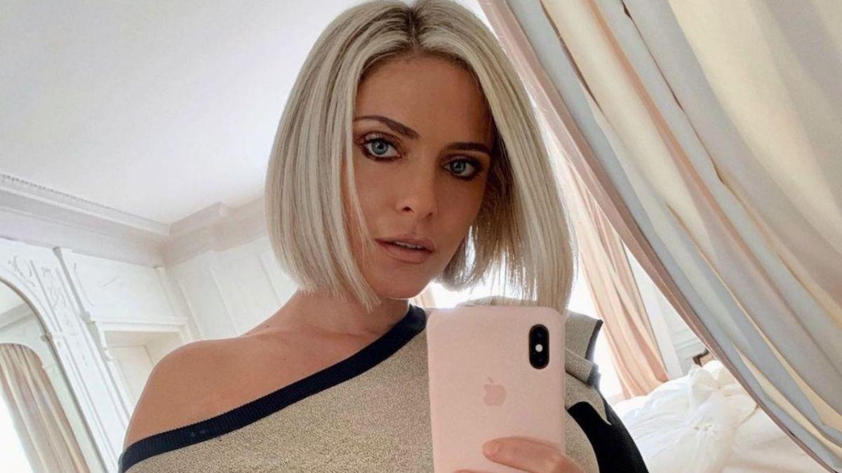 Clara Morgane seins nus : Son cliché très torride