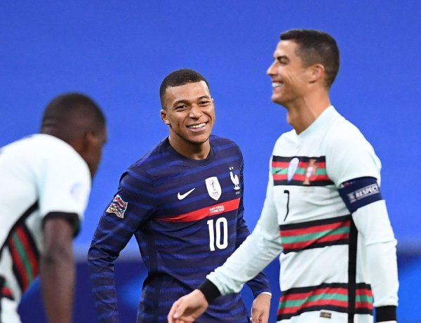Kylian Mbappe fan de Cristiano Ronaldo : Sa réaction après avoir joué contre son idole !