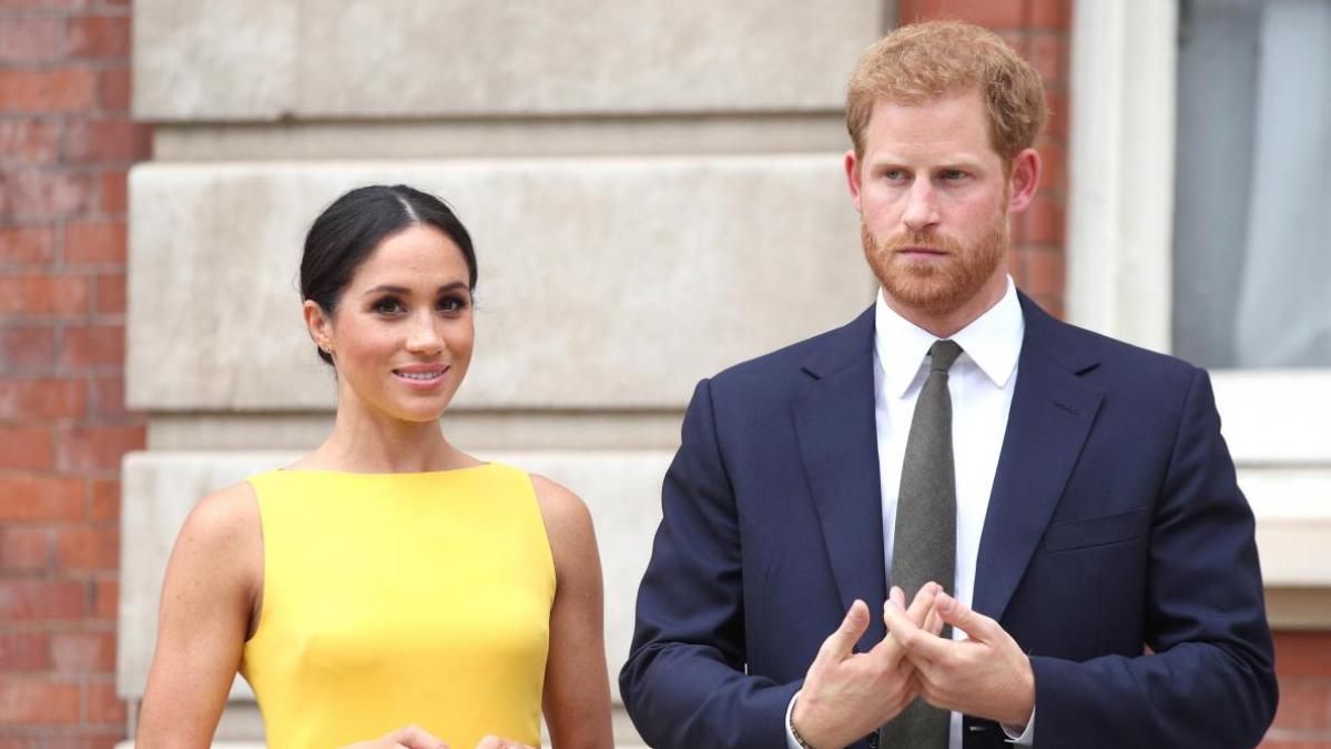 Meghan Markle et le prince Harry partagent leur premier portrait officiel après Megxit