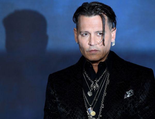 Johnny Depp récompensé en Pologne : un étrange cliché de l'acteur fait le buzz sur la toile