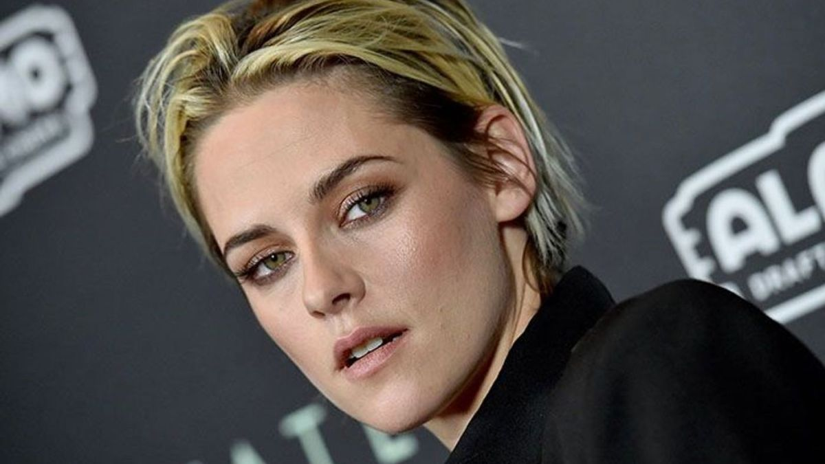 Kristen Stewart méconnaissable en Lady Di : Première image bluffante du biopic