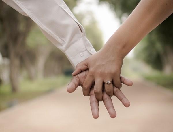 Chine : Au mariage de son fils, une femme découvre que la mariée est en fait sa fille