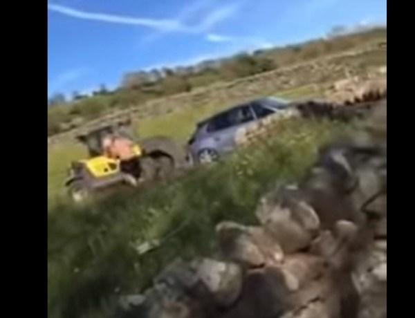 En colère, cet agriculteur emploie les grands moyens contre un automobiliste mal garé