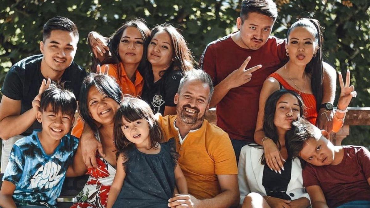 Familles nombreuses : Découvrez la magnifique déclaration des enfants Gayat à leur papa