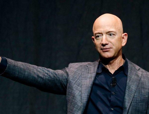 Jeff Bezos : Le multimilliardaire laisse sa place à la tête d'Amazon !